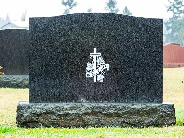 Choosing Laser Etching for Your Loved One's Grave